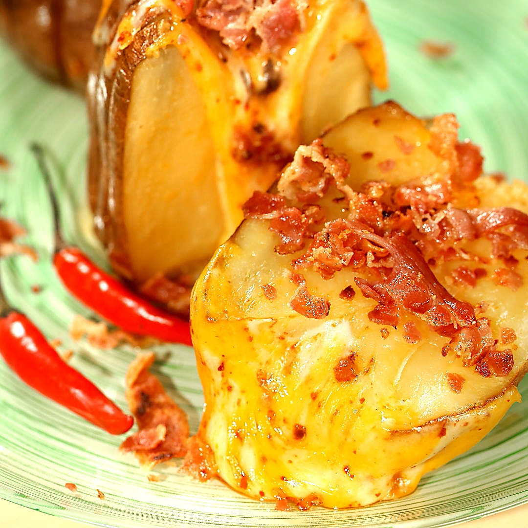 Oven-Baked Cheesy Potatoes with Crispy Bacon