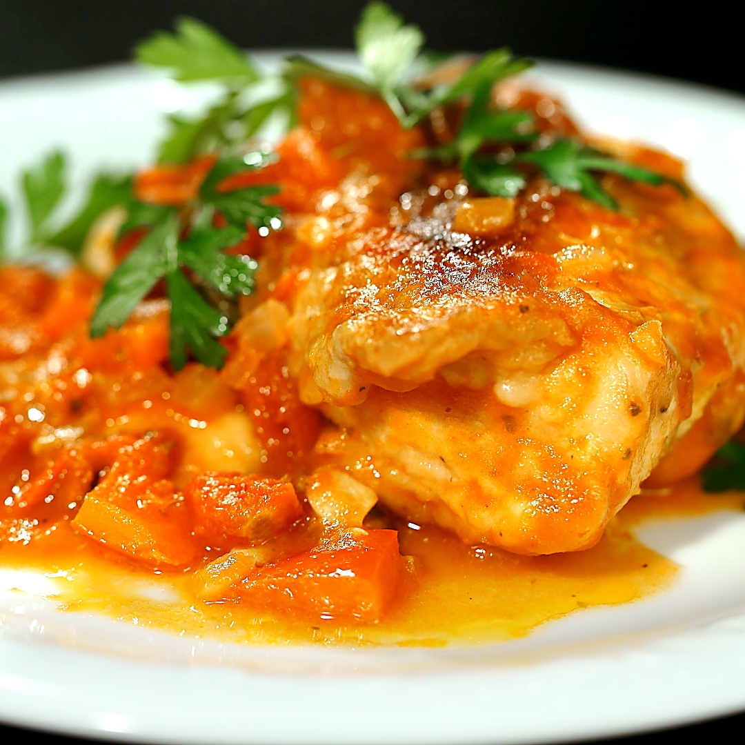 Chicken Breast with Tomato Sauce and Capers