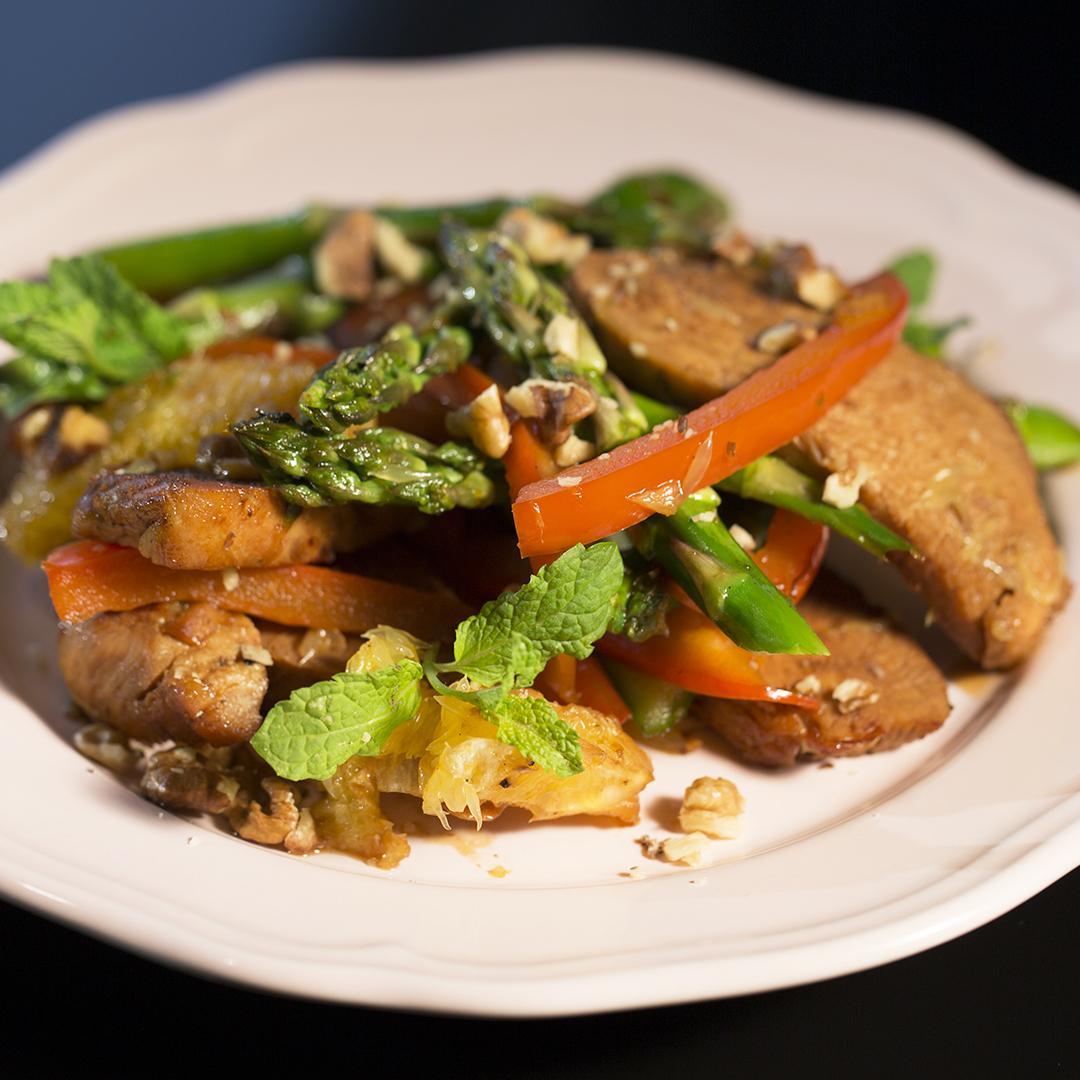 Turkey Stir-Fry with Asparagus and Oranges