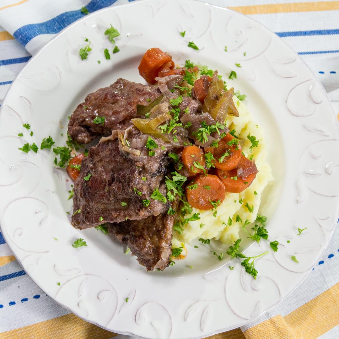 Marinated Pork Ribs with Veggies and Mashed Potatoes