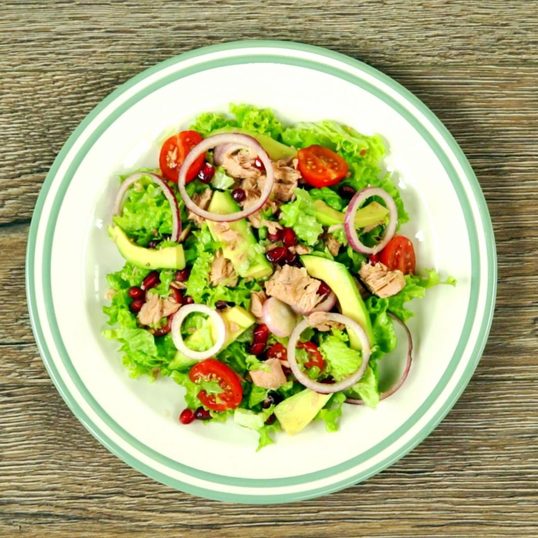 Tuna and Pomegranate Salad