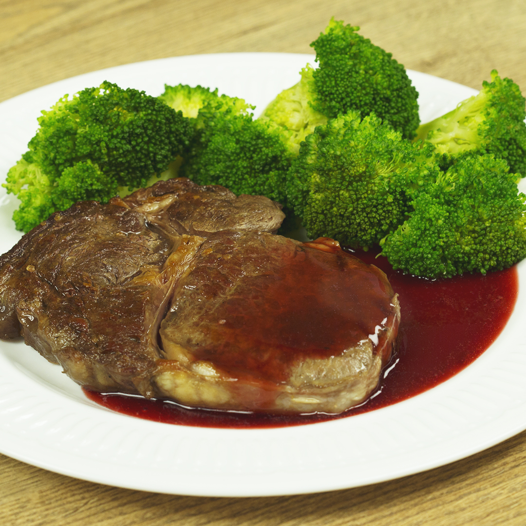 Rib-Eye Steak with Raspberry Sauce