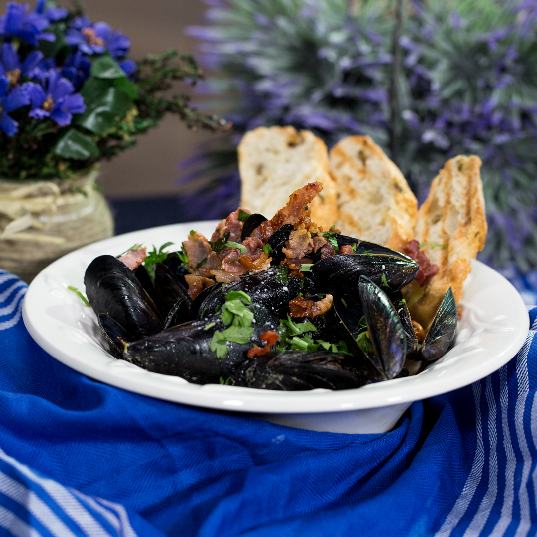 Mussels with Bacon and Cider Sauce
