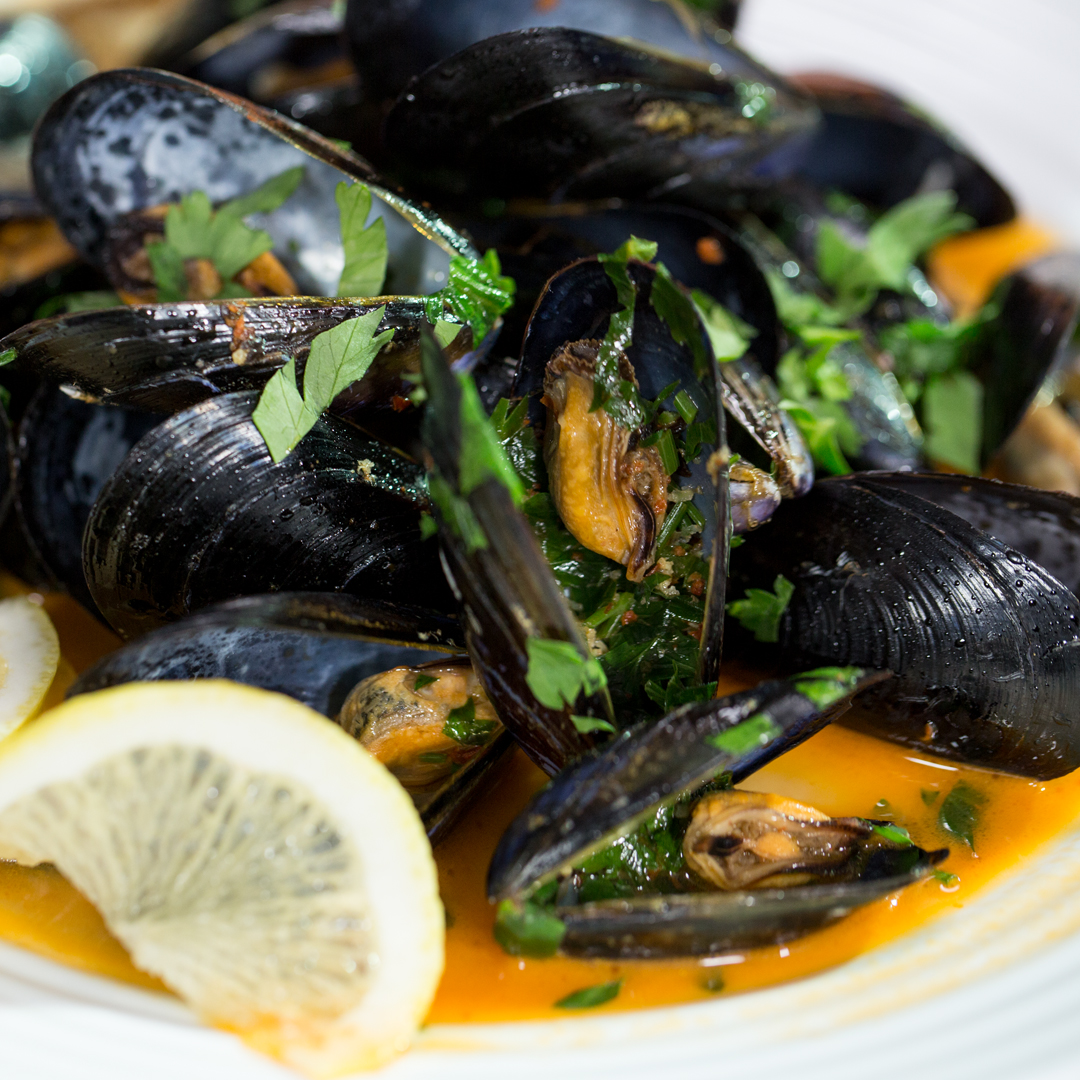 Mussels in White Wine Sauce - So Delicious