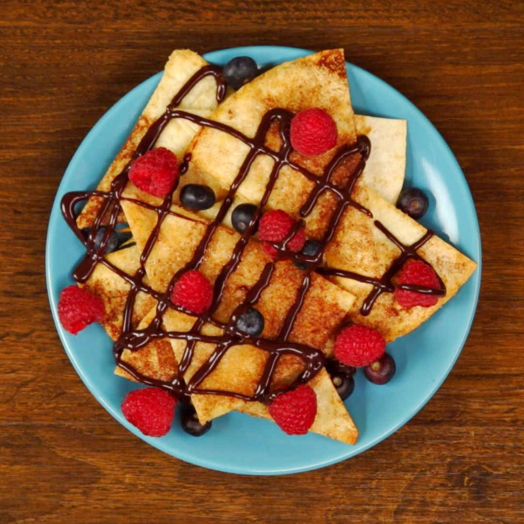 Cinnamon and Fruit Baked Tortilla