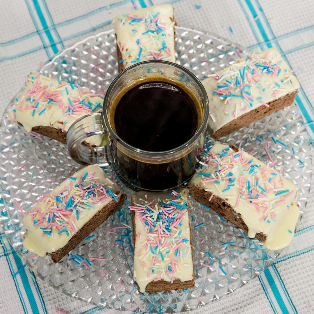 Sugar-Glazed Cocoa Sponge Cake