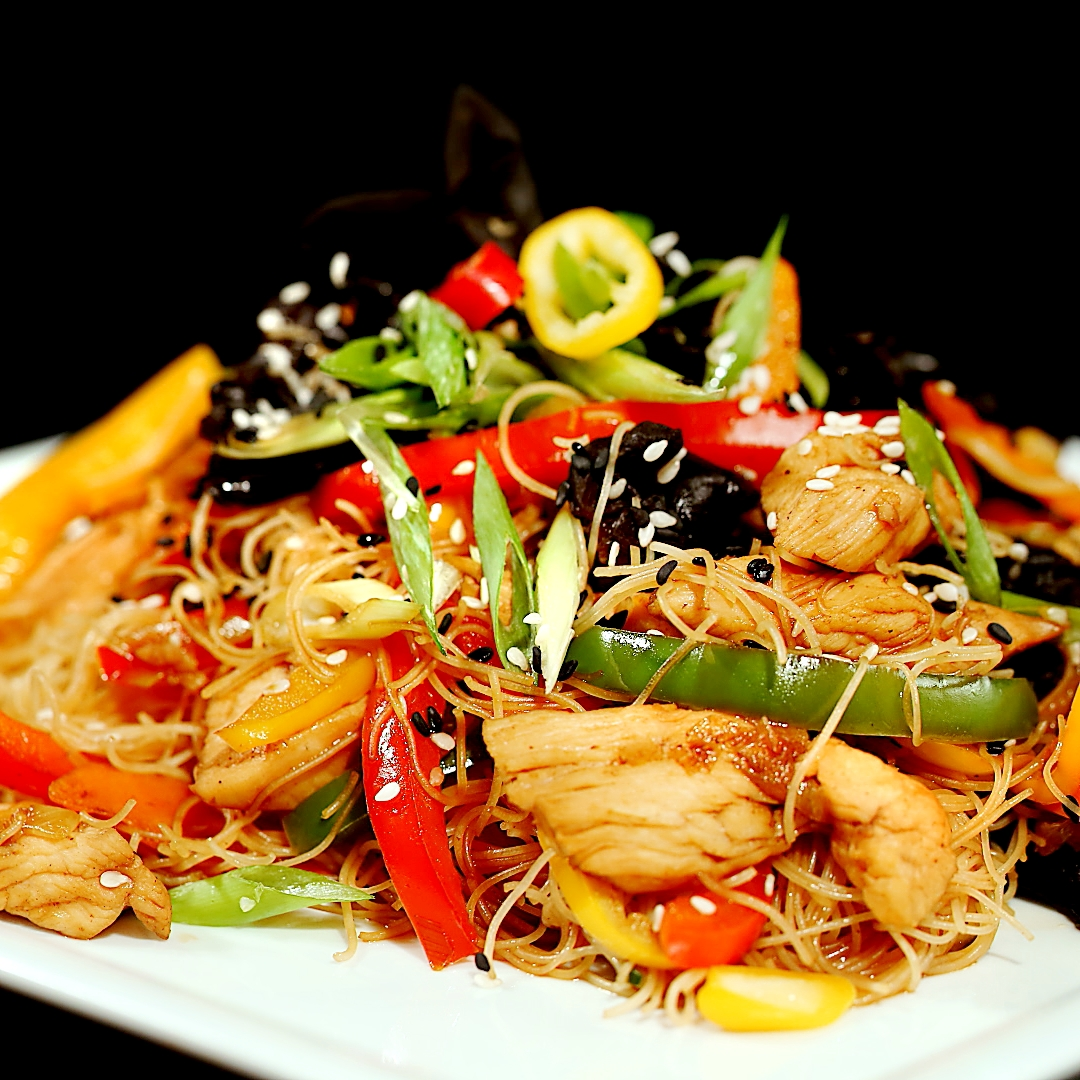 Spicy Stir-Fry with Chicken and Mushrooms