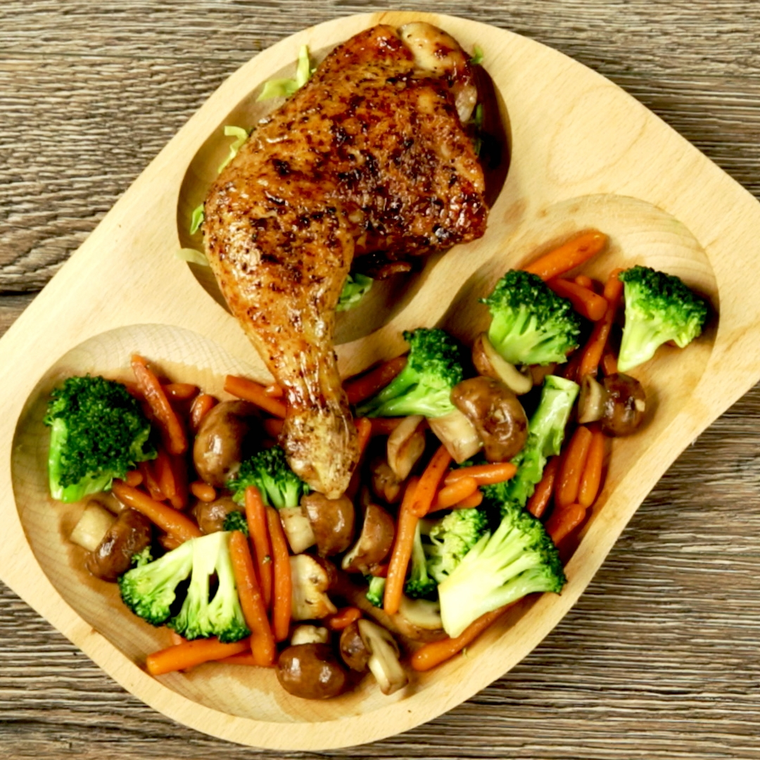 Soy Sauce Chicken Thigh with Stir-Fried Veggies