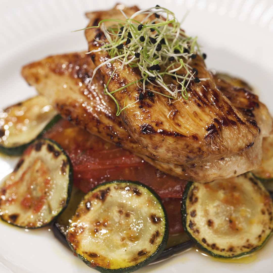 Turkey Breast with Oven-Baked Veggies