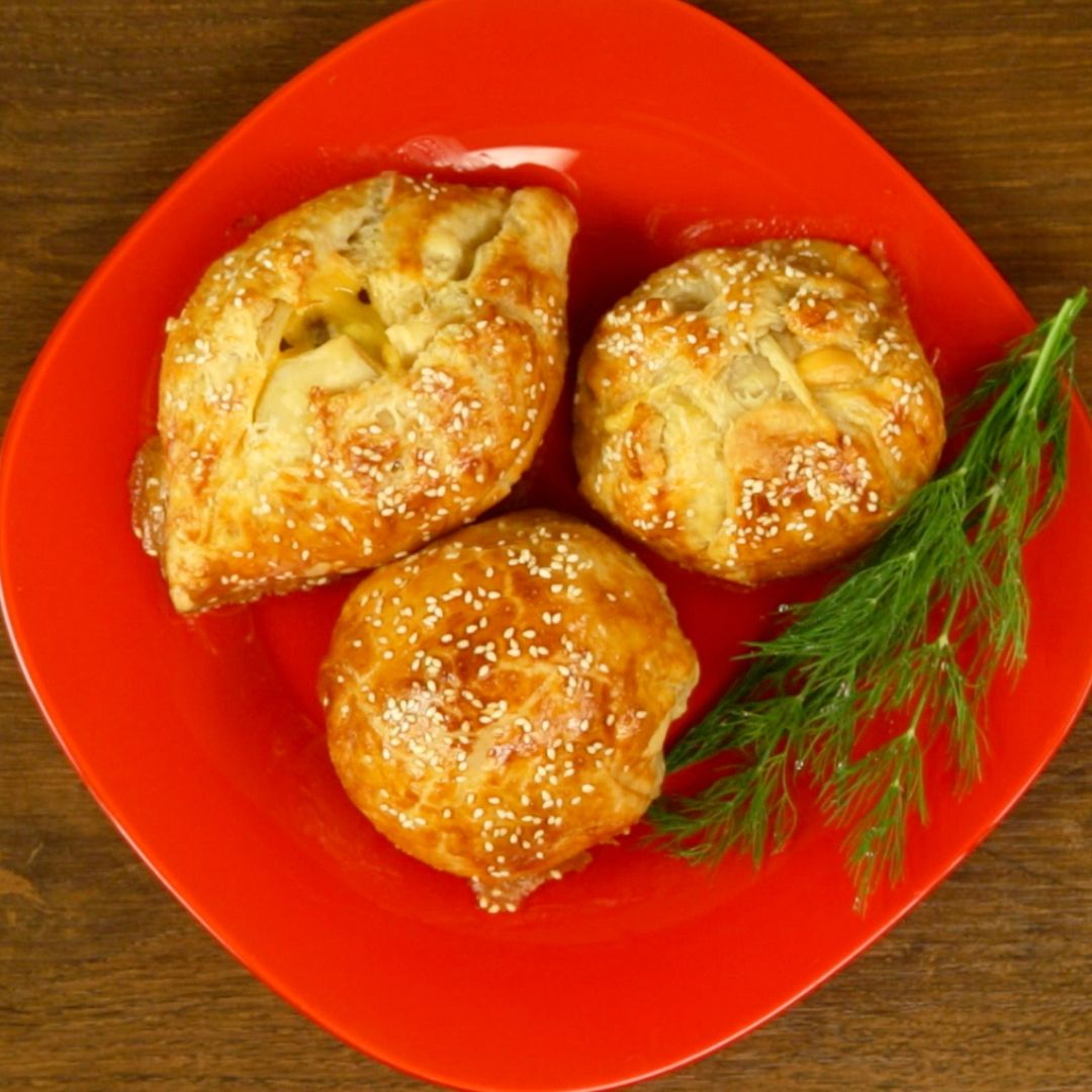 Ground Beef and Cheddar Pastry