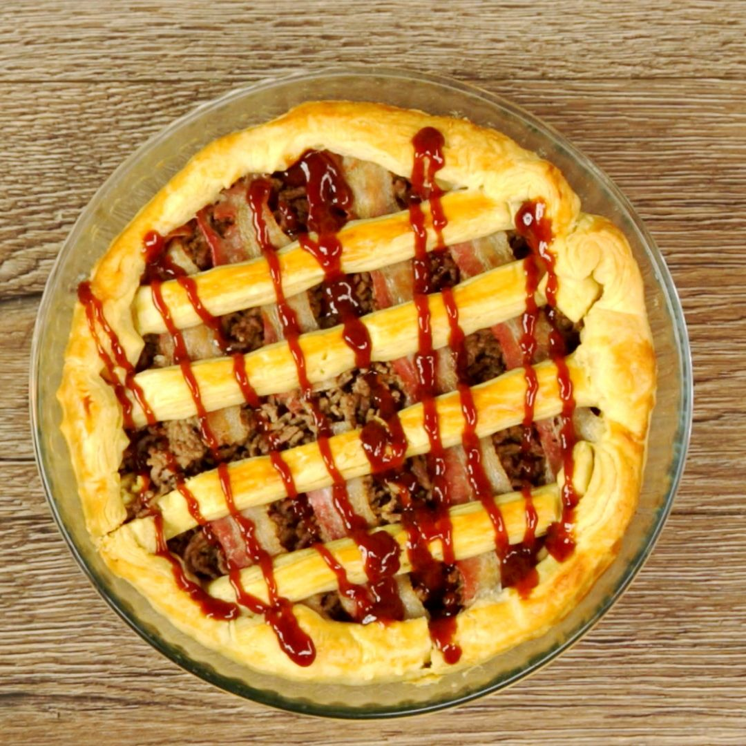 Minced Meat and Bacon Pie