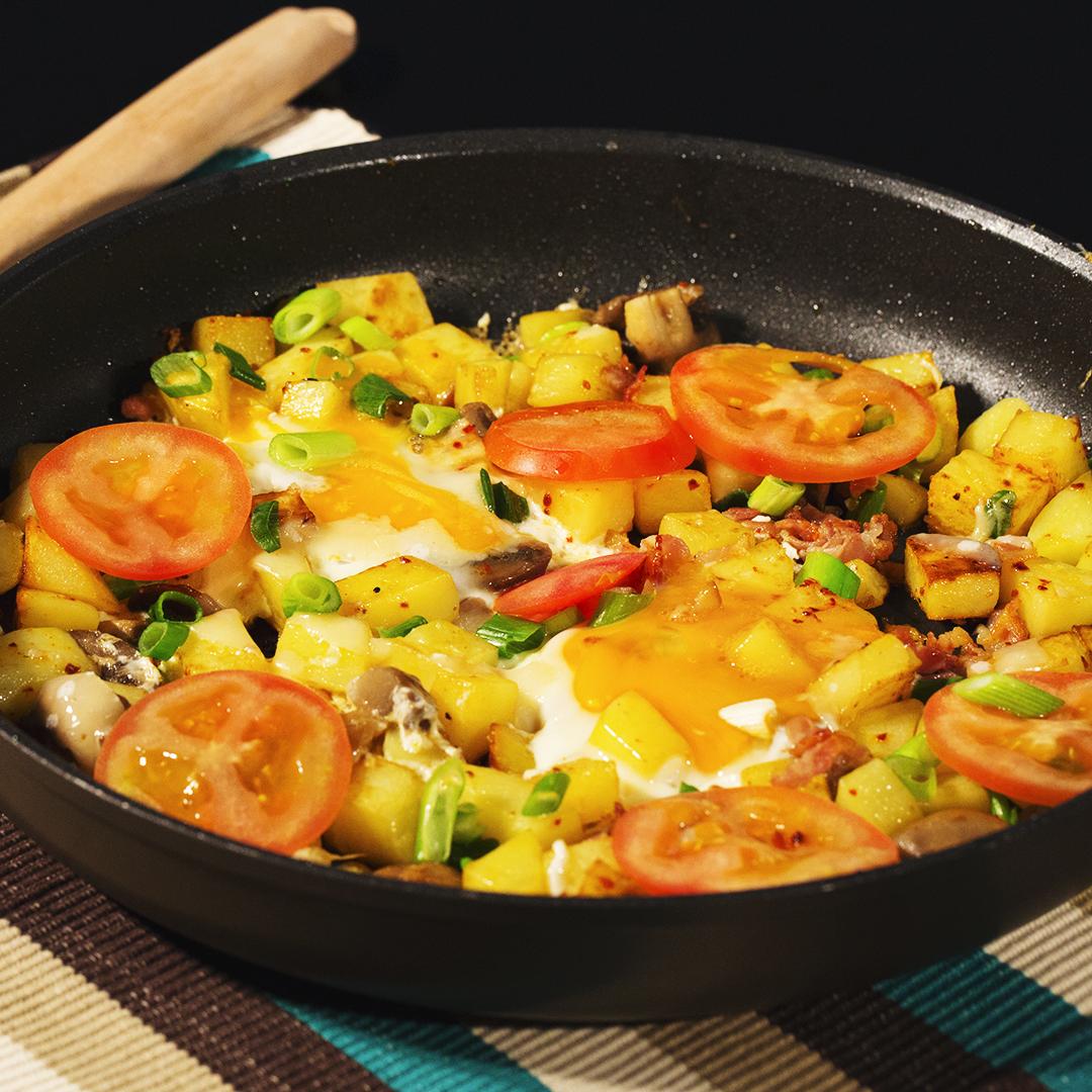 One Pan Eggs and Potatoes