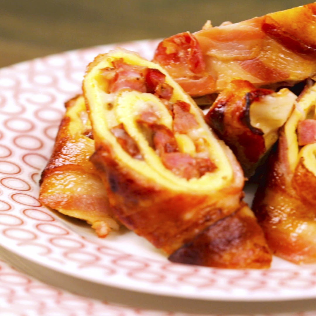 Bacon-Wrapped Omelet Roll