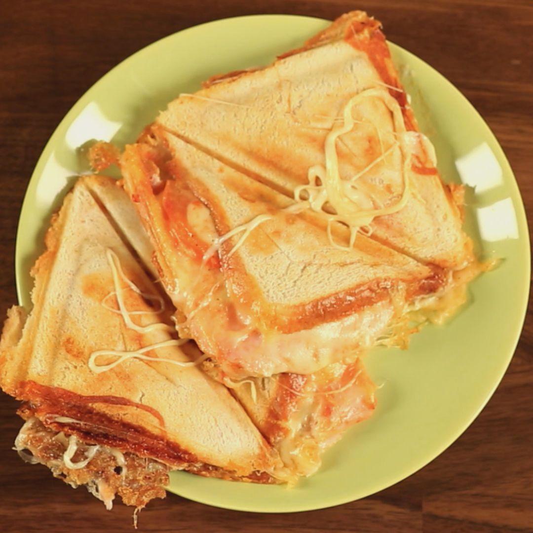 Mozzarella and Ham Sandwiches