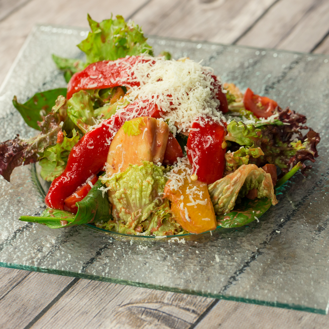 Lettuce and Apple Salad with Strawberry Dressing