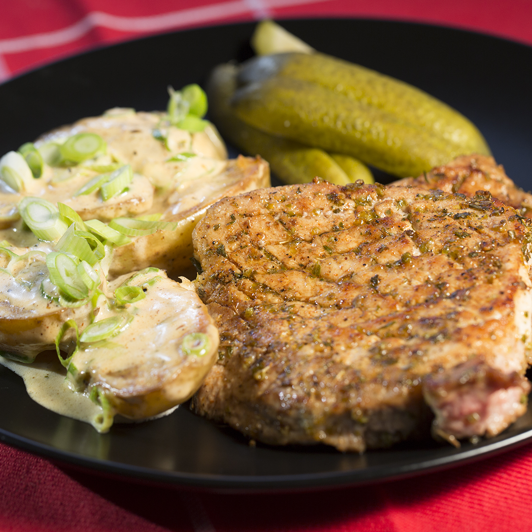 Pan-Fried Pork Steak with Potatoes and White Sauce