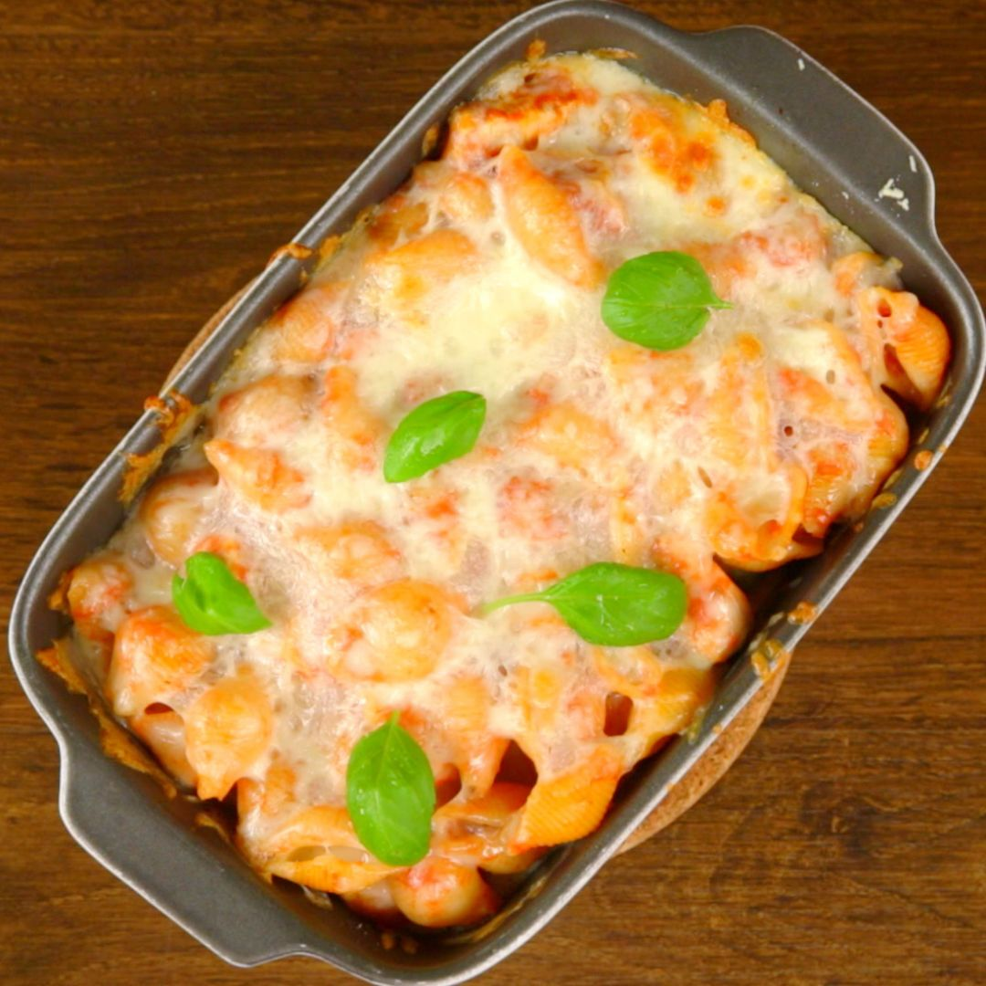 Oven-Baked Chicken and Cheese Pasta