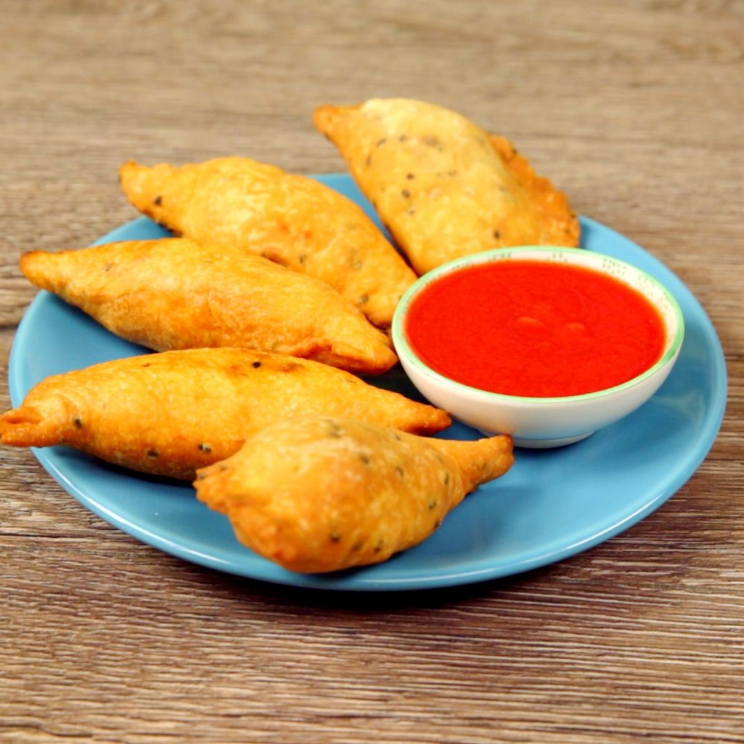 Spicy Potato and Pea Samosas