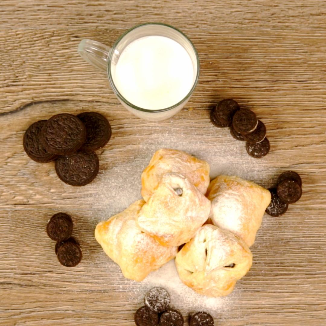 Crunchy Oreo Pastries
