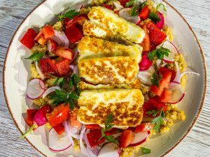 Fried Halloumi with Red Lentils and Veggies