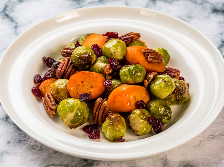 roasted-brussels-sprouts-with-carrots-and-pecans