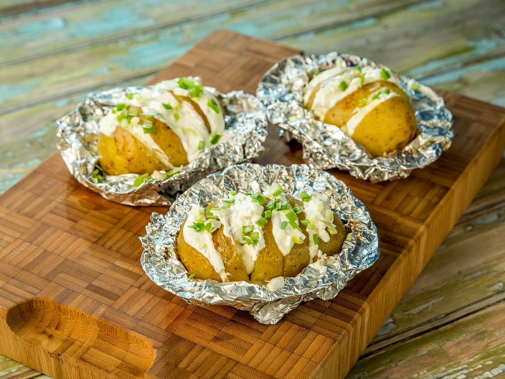 how to make foil wrapped baked potatoes