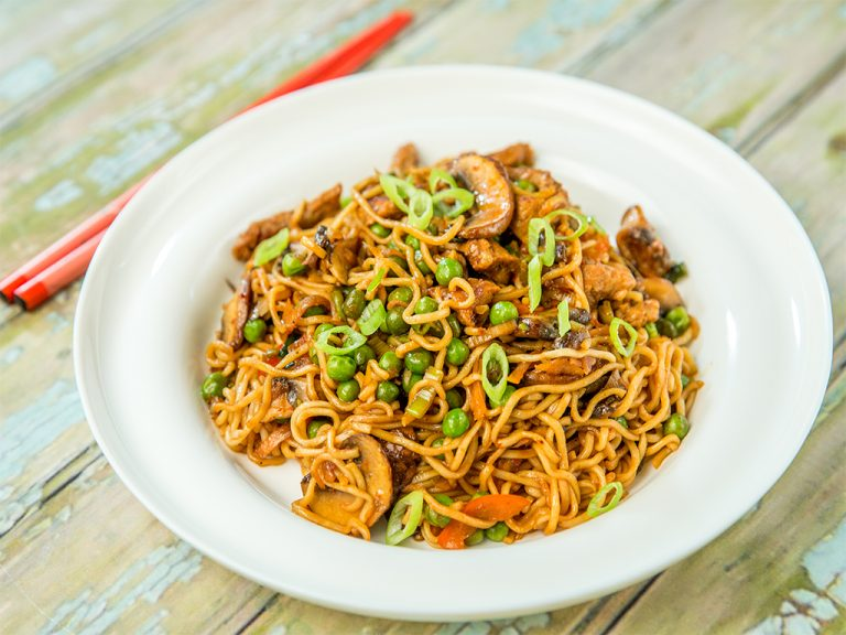 Beef, Mushrooms and Peas Noodles