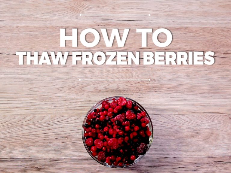 How to Thaw Frozen Berries