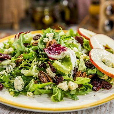 Pecan and Gorgonzola Fresh Salad