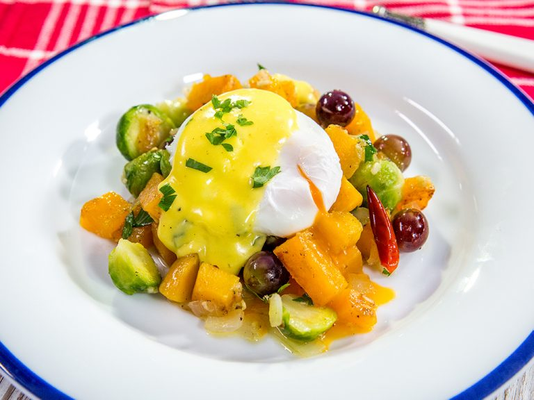 poached egg with vegetable skillet