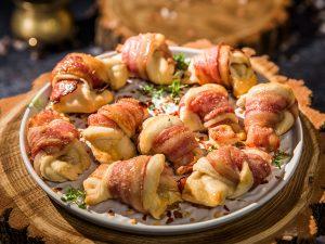 garlic bacon knots