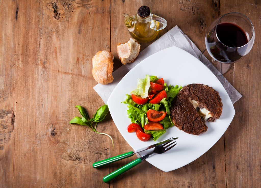 Stuffed Burgers – What You Need to Make this Cheesefest